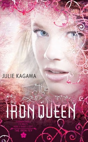 Review & Giveaway: The Iron Queen by Julie Kagawa